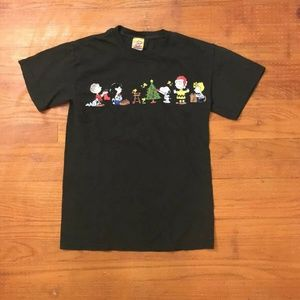 Peanuts Gang Christmas Green T-Shirt Charlie Brown